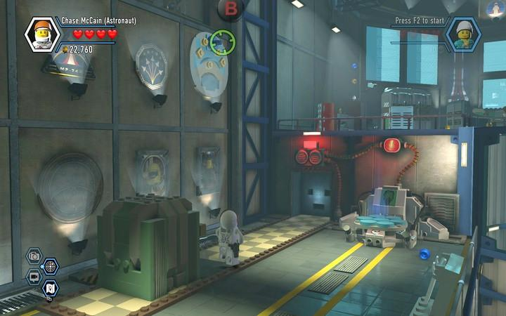 Use the rope to pull the missing bricks out of the wall and build the path - The hangar | Walkthrough - Chapter 7 - LEGO City: Undercover Game Guide