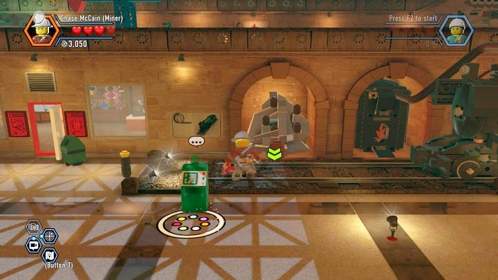 Blow up the heap of silver blocks - Museum burglary | Walkthrough - Chapter 10 - LEGO City: Undercover Game Guide