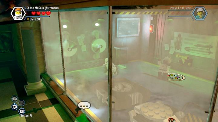 Press the action key to put the hand into motion and then, press it again to stop it in a given position. - Museum burglary | Walkthrough - Chapter 10 - LEGO City: Undercover Game Guide