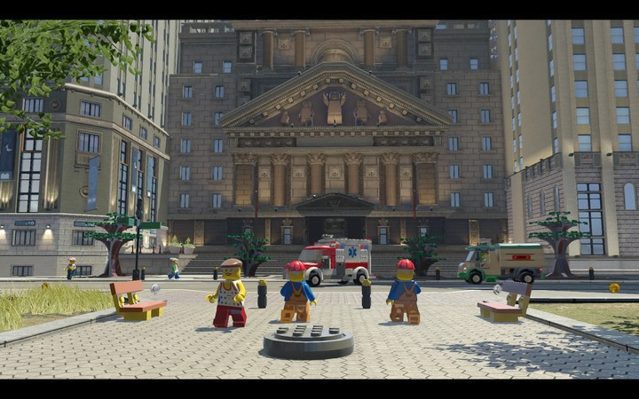 The entrance to the sewers is located in the well, on the square in front of the bank - Robbing the gem from the bank | Chapter 6 - Chapter 6 - LEGO City: Undercover Game Guide