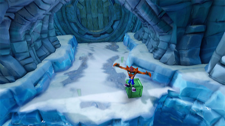Another demanding spot is the fragment of the path, where the cub has to climb onto a small elevation - Bear It | Crash Bandicoot 2 | Levels - Crash Bandicoot 2 - Ice Warp Room - Crash Bandicoot N. Sane Trilogy Game Guide